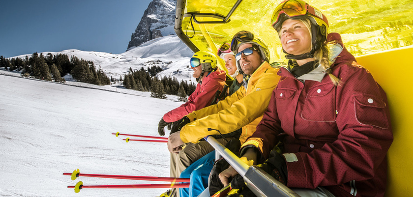 Yellow bubble lift Kleine Scheidegg.jpg